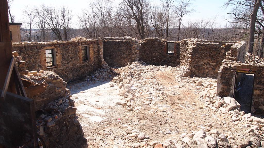 Las ruinas del Edificio San José